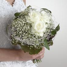 Roses and Baby\'s Breath Bouquet